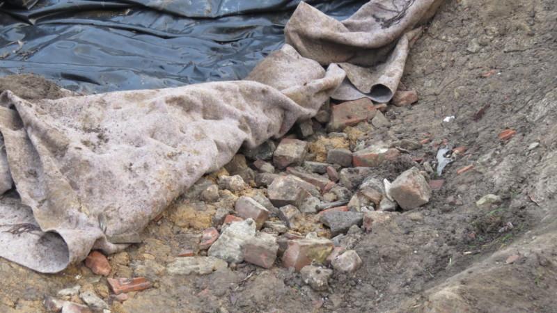 Brique sous l'ancienne mare